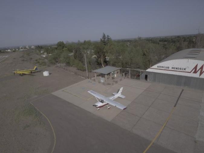 avion-hidrante
