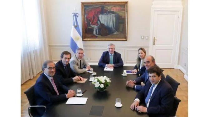 El Gobierno presentó el equipo que llevará adelante la negociación con el FMI