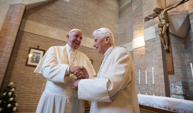 El Papa desiste ordenar a hombres casados, desactivando la polémica generada