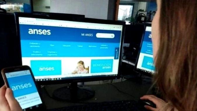 Guzmán confirmó que volverán a pagar el IFE : el bono será de 10 mil pesos nuevamente