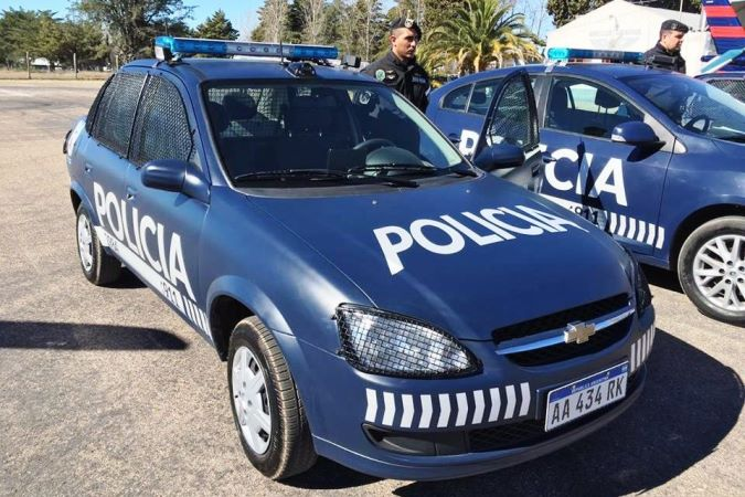 """Desde hoy, Policía y Bomberos harán un """"toque de sirena"""" para que nadie circule en las calles"""
