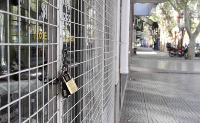 ¡Atención! Este lunes no abren los comercios ni supermercados: a qué se debe