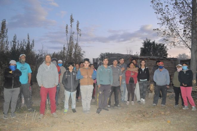Familias-en-terrenos-del-DGI-2-foto-Abi-Romo-El-Cuco