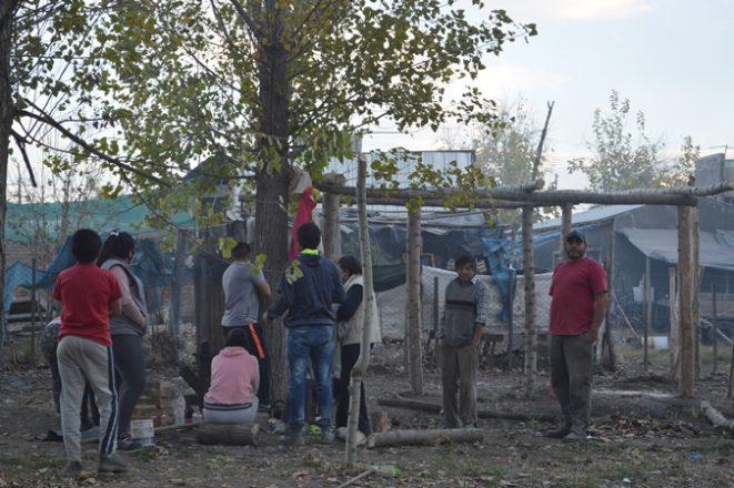Familias-en-terrenos-del-DGI3-foto-Abi-Romo-El-Cucp