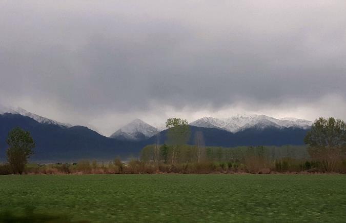 Chau calorcito: hoy llega el frío acompañado de nevadas en cordillera, vientos y lloviznas hacia la noche