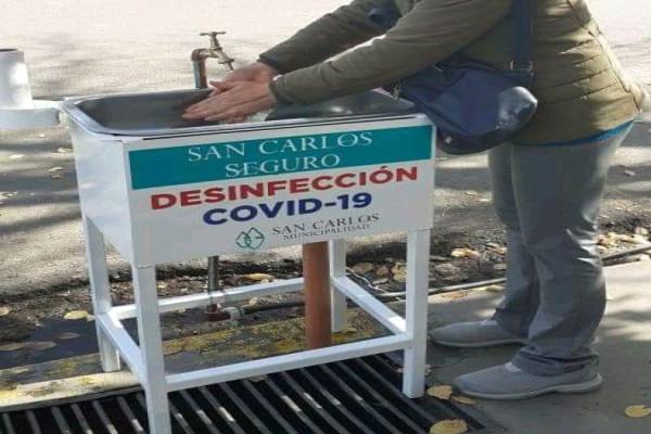 Prevención: colocan lavamanos en los ingresos de lugares concurridos en San Carlos