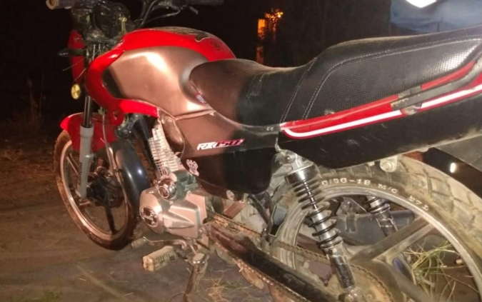 Tunuyán: un delivery estacionó su moto unos segundos para buscar un pedido y se la robaron