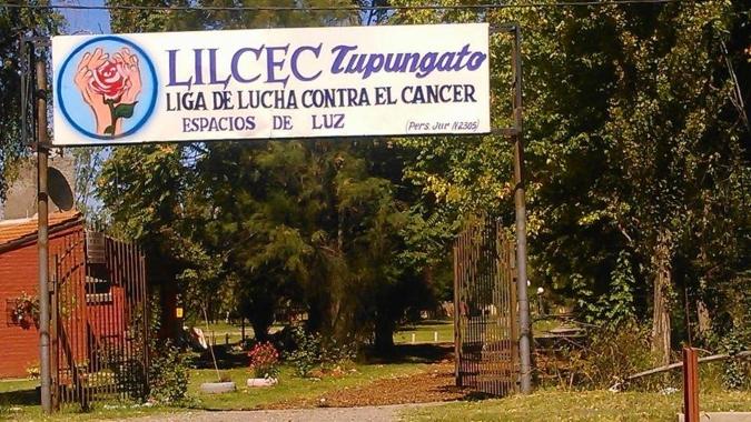 La Liga de Tupungato realizó un desfile a beneficio de pacientes oncológicos con la conducción de Guido Suller
