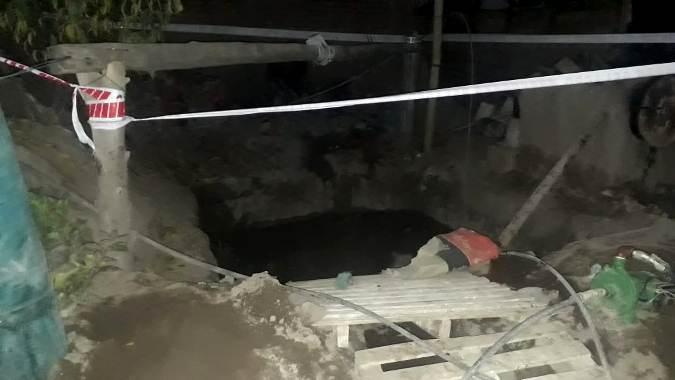 San Carlos: un hombre cayó a un pozo séptico de 18 metros y debió ser rescatados por Bomberos