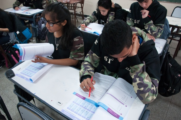 Programa Egresar: abre la convocatoria para acceder a la beca de $5.000 para terminar la secundaria
