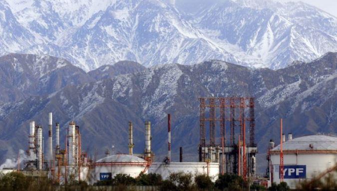 Los diputados Difonso y Torres piden declarar el alerta ambiental en la zona de la refinerÍa de Luján