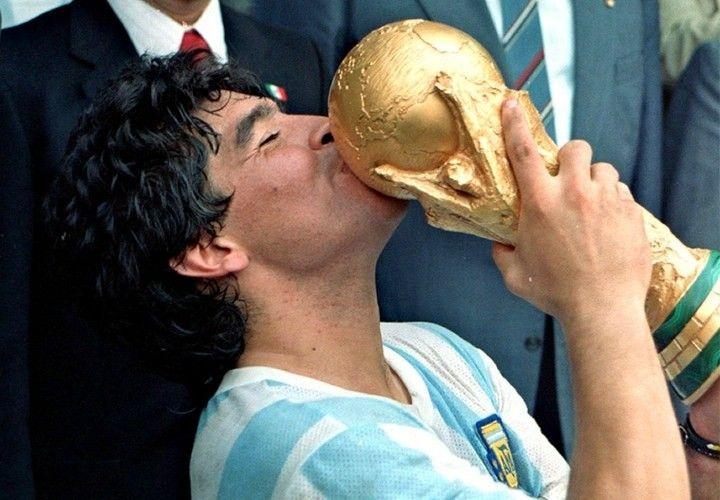 Tristeza mundial: murió Diego Armando Maradona
