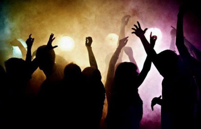 La Policía interrumpió una fiesta clandestina en Tunuyán donde había cerca de 200 personas