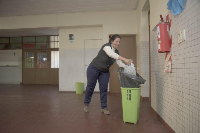 La DGE informó cuándo se acreditará el pago a celadores que trabajaron en escuelas afectadas a las PASO