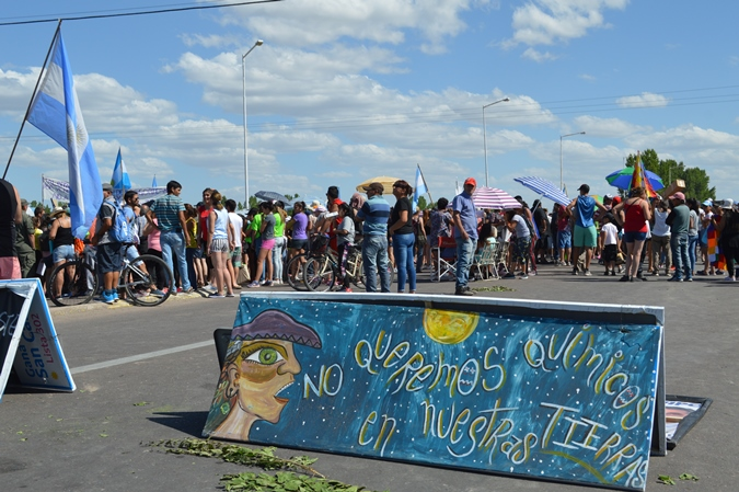Corte-de-ruta-en-Eugenio-Bustos-20-de-diciembre-foto-El-cuco-Digital