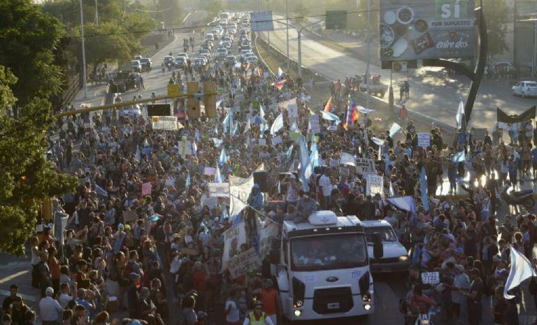 Efemérides: el 23 de diciembre del 2019, llegaba a la Ciudad de Mendoza la caravana por la 7722