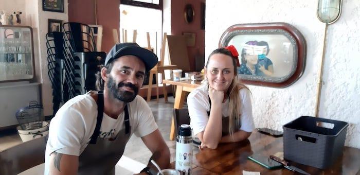 """Nico Bedorrou y Carolina Cabello inauguran """"El Porvenir"""", un bodegón lleno de nostalgia y buenos sabores"""
