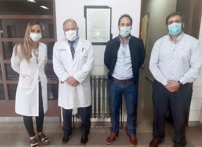 El hospital Central realizó una cirugía de Parkinson con personal de Salud pública