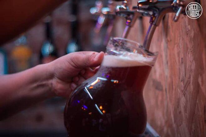 Green-House-American-Bar-cerveza-tirada