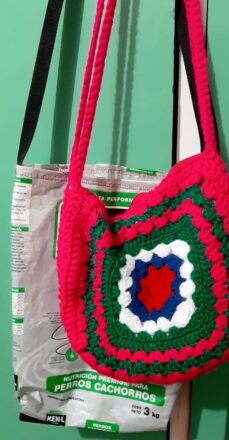bolso-a-crochet-y-bolso-reciclado-Feria-Artesanal-de-Tupungato