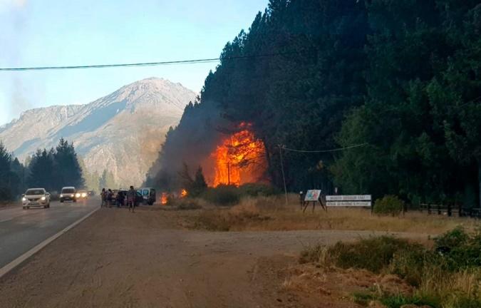 """Incendios en Chubut y Río Negro: encontraron dos puntos de origen y señalan que """"se trataría de algo intencional"""""""
