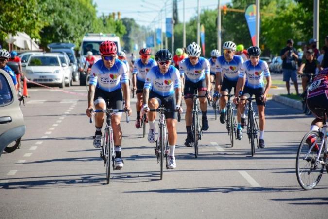 """Histórica labor del team """"Viví Tunuyán"""" en la 45° Vuelta Ciclista de Mendoza"""
