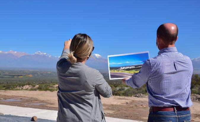 Con un enorme y llamativo cartel Tupungato recibirá a turistas en un lugar inigualable