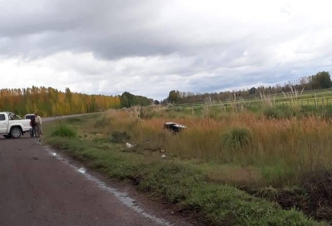Vuelco-sobre-ruta-40-foto-2-gentileza-Cuyo-Online