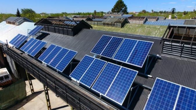 El Gobierno adhirió a la ley que permite a los usuarios generar y distribuir energía