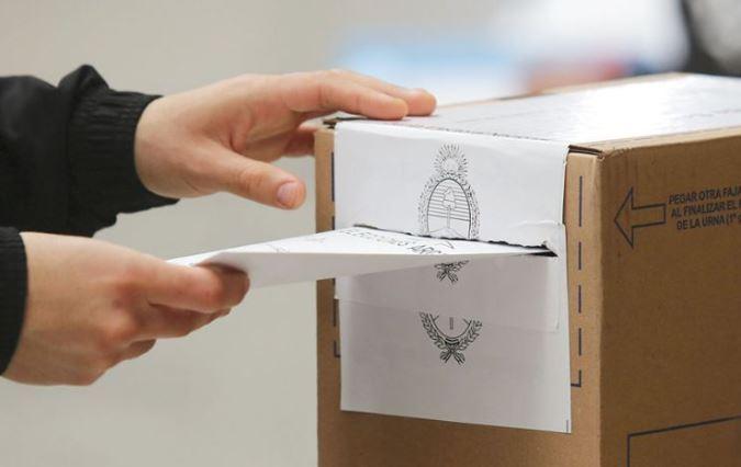 Tras ser aprobado en Diputados, el proyecto que busca postergar las PASO obtuvo dictamen en Senadores