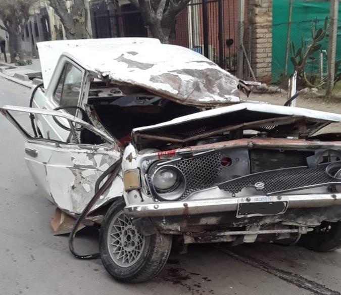 Accidente fatal en Tunuyán: un joven murió tras impactar contra un árbol