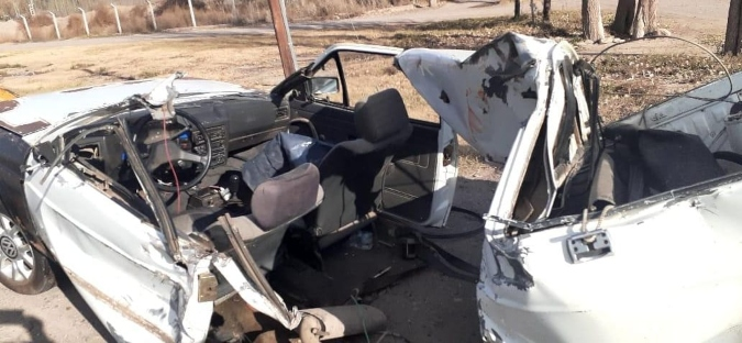 Fuerte choque en Tunuyán: una camioneta impactó contra un camión sobre la ruta 40