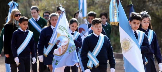 Los nuevos abanderados y escoltas de Mendoza recibirán la bandera nacional y provincial el 18 de junio