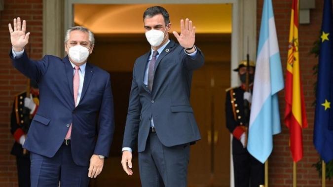 El presidente recibe a Pedro Sánchez para fortalecer la relación bilateral con España