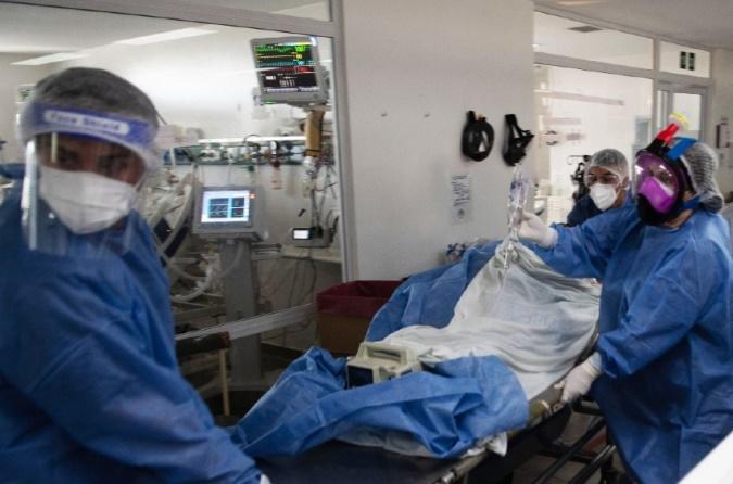 Murieron 706 personas y hubo 27.319 nuevos contagios en el país en las últimas 24 horas