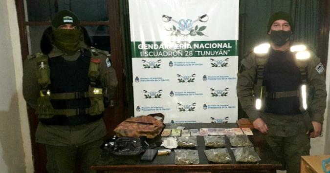 Tupungato: trasladaba marihuana en un colectivo y el olor alertó a los gendarmes