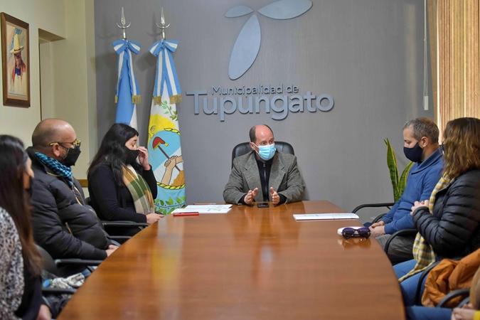 Asociaciones civiles de Tupungato, compuestas por 60 familias, recibieron sus personerías jurídicas