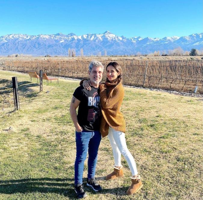 Más famosos en el Valle de Uco: Lourdes Sánchez y el Chato Prada descansan en Tupungato