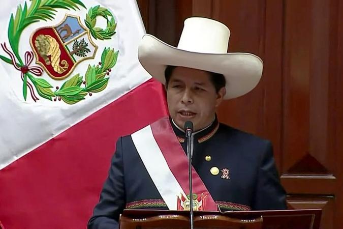 """Pedro Castillo ya es el presidente en Perú: """"Es la primera vez que el país será gobernado por un campesino"""""""