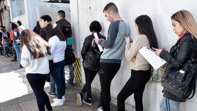 """""""Te sumo"""": el Gobierno lanza un programa para impulsar la inserción laboral de jóvenes en pymes"""