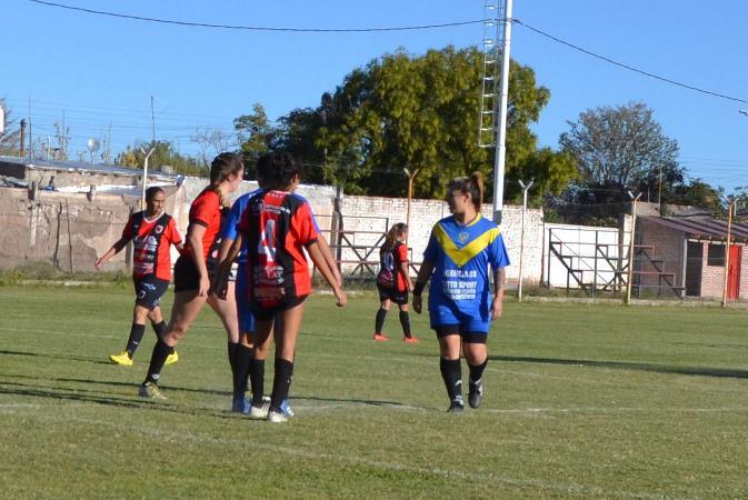 """El fútbol femenino de San Carlos no jugará los domingos: """"La lucha continúa"""""""