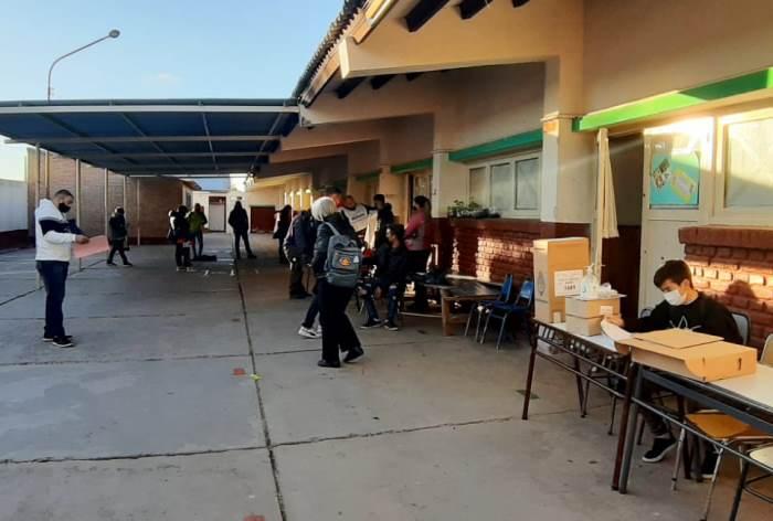En Valle de UCO votó alrededor del 74% del padrón, casi 8 puntos más que la media nacional