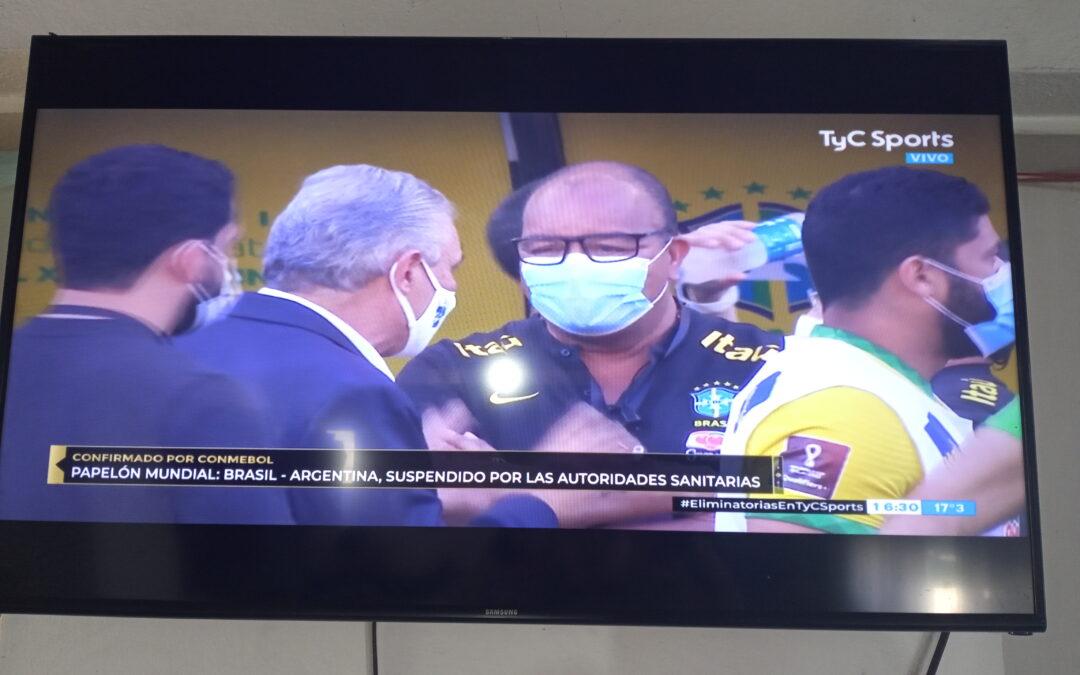 Escándalo: el partido entre Brasil y Argentina quedó suspendido a los 6 minutos de juego por el ingreso de autoridades sanitarias