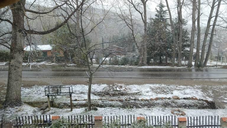 Fotos y videos de la nevada en el Valle de Uco: cuándo mejora el tiempo