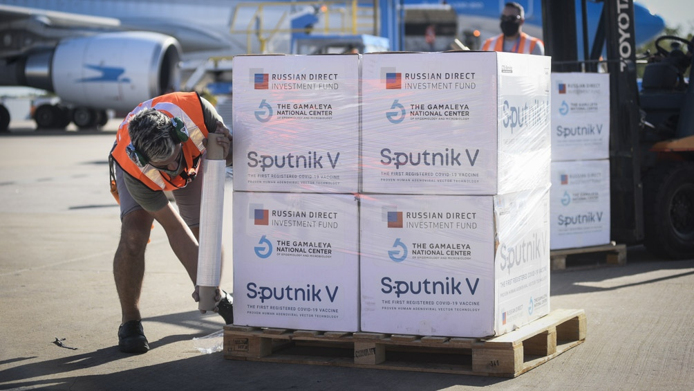 Llegan segundas dosis de Sputnik V a Mendoza