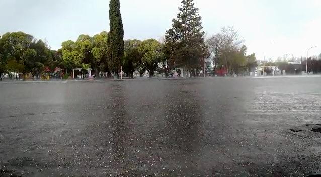 Video: sorpresiva tormenta con granizo llegó al sur de San Carlos
