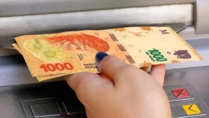 Oficializaron el aumento del Salario Mínimo, Vital y Móvil: en octubre llegará a los $32 mil