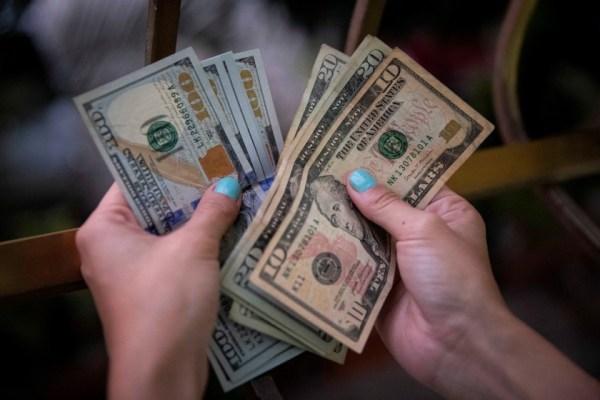 Una vecina de Tupungato ayudó a desarticular una banda que intercambiaba dólares falsos