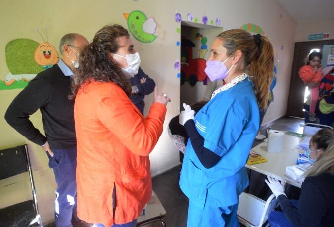 """Nadal en San Carlos: """"Vamos a alcanzar a 1.500 niños en el control de la enfermedad de Chagas"""""""