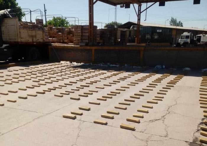 Secuestraron 400 kilos de marihuana que intentaban ingresar a Mendoza